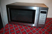 GE Stainless Steel Microwave with Glass Plate