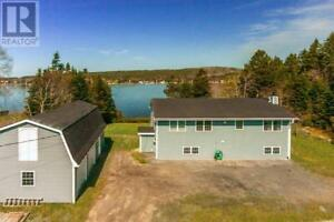 16 Surfview Drive Boutiliers Point, Nova Scotia