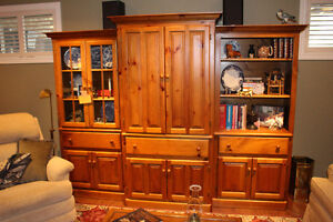 ENTERTAINMENT - WALL UNIT - DISPLAY CABINETS - 3 PIECE