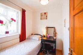 Y *Awesome*Just Wow**Single Room at Limehouse!!