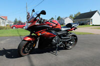 2011 Yamaha FZ6R Black and Red Only 3,700km