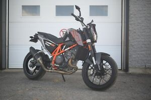 KTM Duke 690 Condition show room!