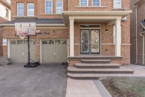 Detached House For rent - Near James Potter, Brampton