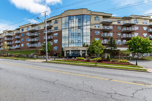 412-767 Parkland - FOR SALE!  Pool, Sauna, Work-out Room & More