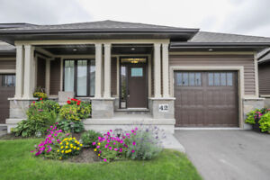 FULLY FINISHED BUNGALOW TOWN END UNIT IN SMITHVILLE