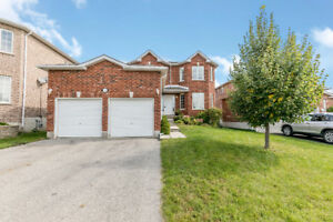BRIGHT 3+1 BED/4 BATH HOME IN WEST BARRIE - NEAR HWY 400
