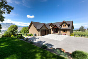Amazing Vineyard Property with Luxurious Family Home for Sale
