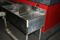 Stainless steel cocktail stations with sinks