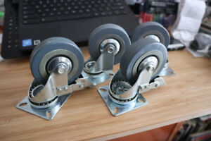 "4 heavy duty 3"" casters bottom mounted"