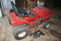 Noma Canadiana Riding Mower / Lawn Tractor