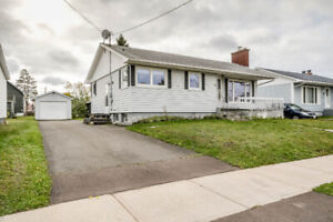 8 JAMES ST. ACROSS - ECOLE ST-HENRI! NEW PRICE $125,900!