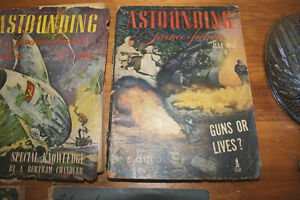 "Vintage Set of 5 ""Astounding Science Fiction"" from the 1940s London Ontario image 3"