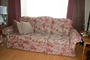 Couch and love seat Peterborough Peterborough Area image 2