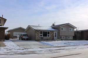 Reduced again!!  419 7th Street  Picture Butte