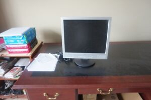 SAMSUNG 19 INCH FLAT SCREEN MONITOR