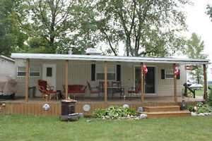 42' 3-Bedroom Franklin Heritage Park Model Trailer
