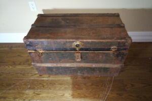Student Trunk - Vintage, Worn out, Movie Prop, Theater Prop