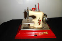 Vtg Straco Little Betty Sew-O-Matic Senior Toy Sewing Machine