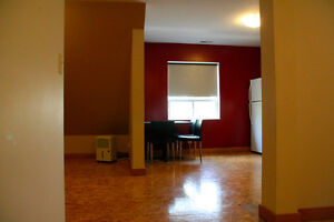 1 yr lease Spacious Uptown Waterloo Condo All Inclusive