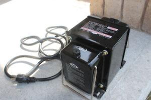 1500 Watt Voltage Transformer 110V -> 220V