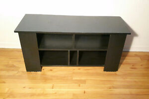 TV TABLE, STAND / TABLE DE TELEVISION