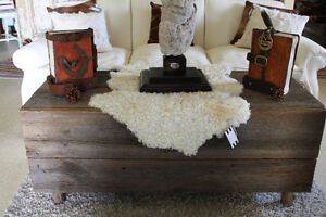 RUSTIC CONTEMPORARY STYLE COFFEE TABLE FROM BARNBOARD