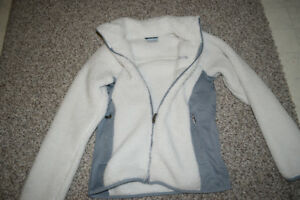 Columbia sweater, medium size
