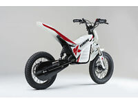 KUBERG TRIAL E 750w 36v 2016 PIT BIKE MOTO CROSS OFF ROAD MONKEY STARTER BIKE