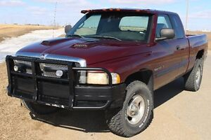 SOLD :  2001 Dodge Power Ram 1500 Pickup Truck