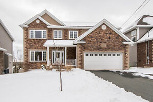 Stunning home with lots of upgrades! 150 Pebblecreek Crescent