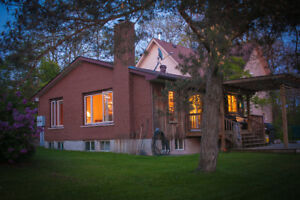 Big country home on large acreage 10 minutes north of Barrie
