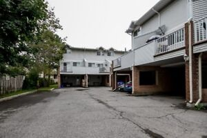 Renovated and spacious townhouse w/ low condo fees!