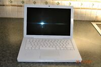 GREAT CONDITION 13'' APPLE MACBOOK WHITE