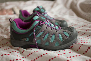 Merrell Low Lace Waterproof Hiking Shoe Kitchener / Waterloo Kitchener Area image 1