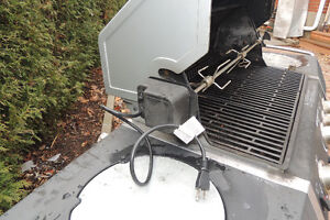 "BBQ with Powered Rotisserie Blue Ember 57,000 BTU, 27"" West Island Greater Montréal image 2"