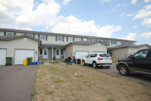Great 2 bedroom, 2 bathroom townhome minutes from CFB Petawawa