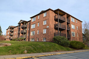RARE FIND! 2 BEDROOM 2 BATH CONDO AT 64 CUMBERLAND DRIVE