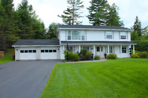NEW PRICE - LARGE FAMILY HOME