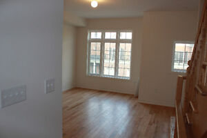 3 Br + 3 Ba Townhome for Rent (Lakeshore and Dixie)