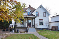 Big 5 Bed 2 Bath in Chatham Ont. - Priced under Appraised Value!