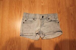 Lot shorts jupe demin grandeur 0, 1 et 24