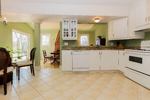 2-Storey Kirkland House for Sale by Owner, Many Upgrades