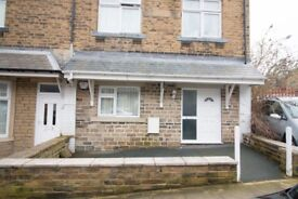 £385.00 - Spacious 1 bedroom flat - Available to let - Norwood Road BD18