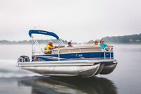Like new SUN TRACKER PARTY BARGE 22 XP3 TriToon