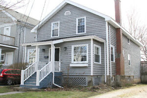 **RENOVATED SOUTH END HALIFAX FAMILY HOME!!**