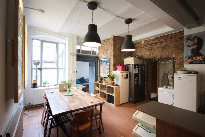 1 Amazing Room in a Shared Huge Converted Warehouse to let! ALL BILLS INC + GARDEN