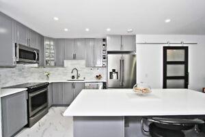 2 Bedroom + Den Luxurious Penthouse Suite - Leslie & HWY 7