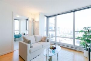 Spectacular 2 Bed 2 Bath 2 Den VIEW apartment!  Avail DEC 1st