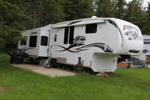 37' 2009 Keystone Everest  FINANCING AVAILABLE
