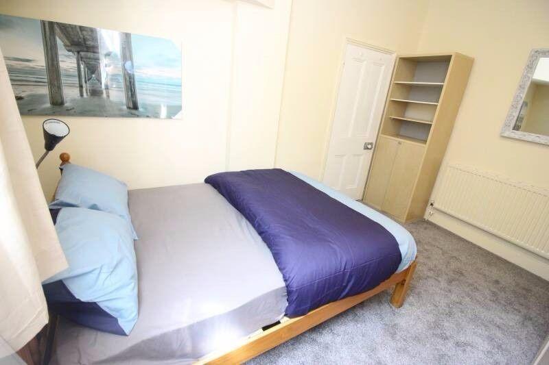 lovely room in East London 07957091448